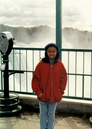 Eleven Years old at Niagara Falls, family trip once again. This is my scrunchy face.